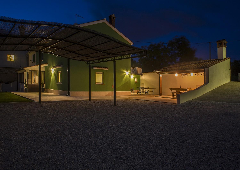 villa deal outdoor 16