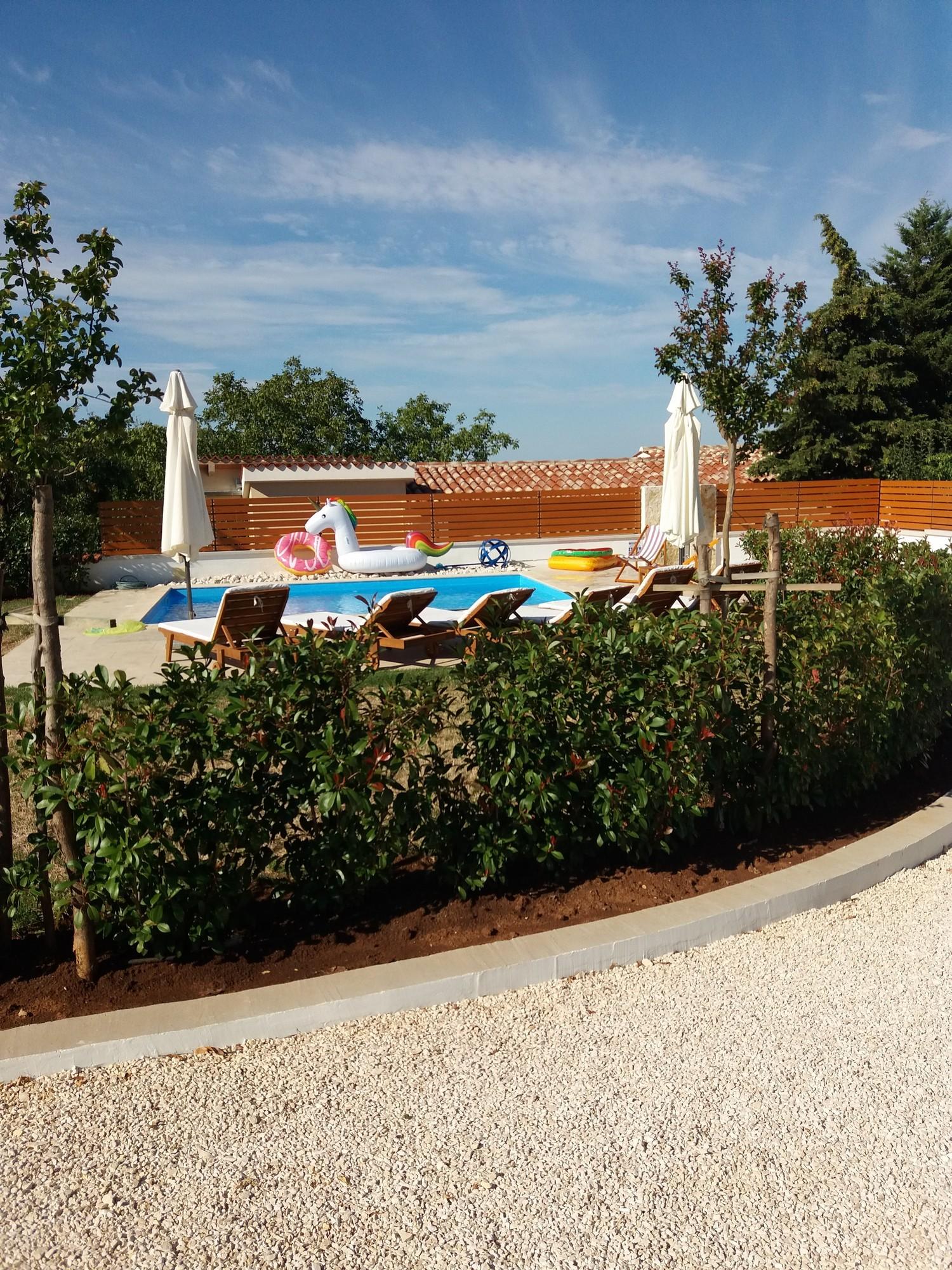 villa deal outdoor 6