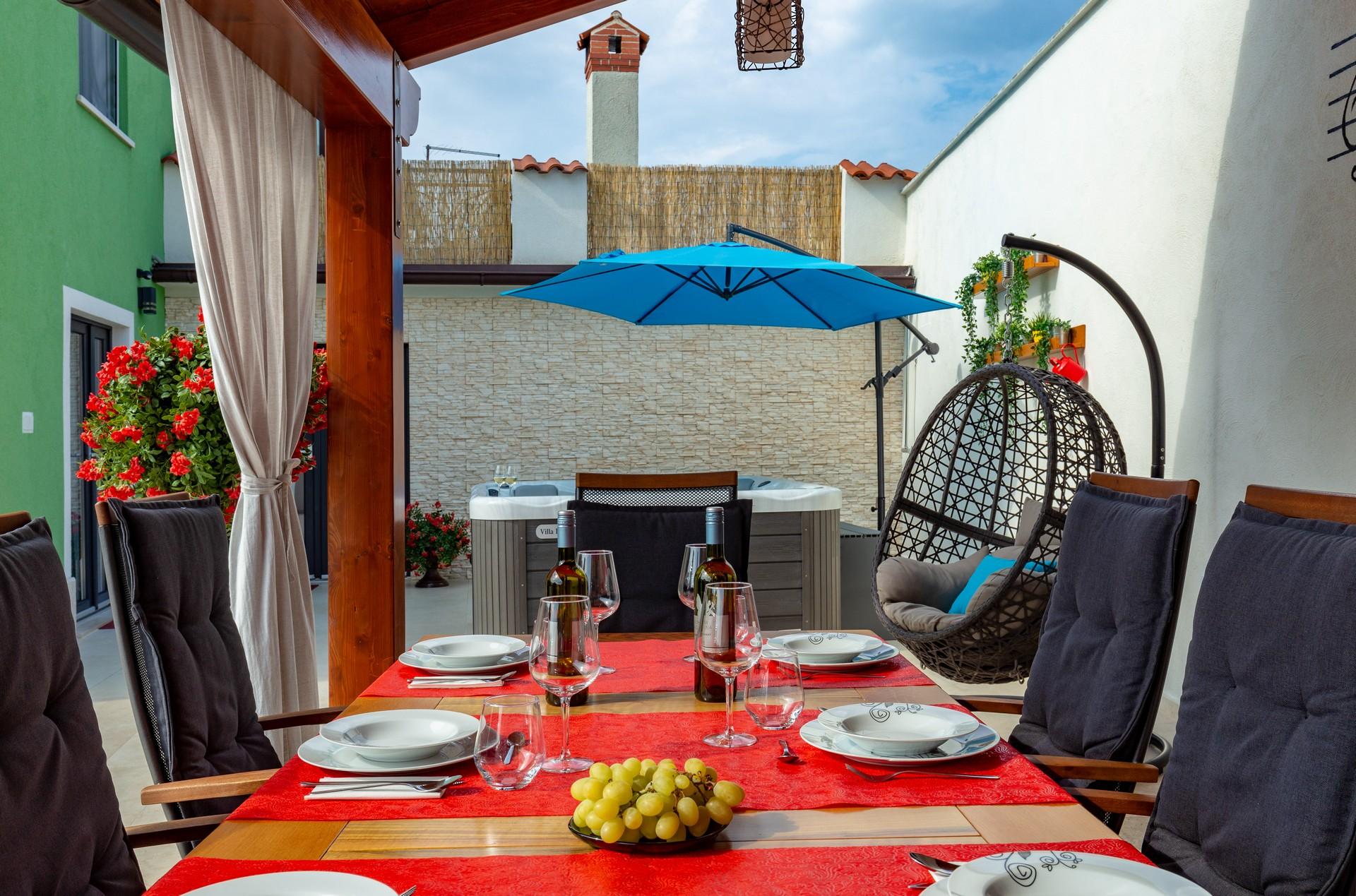 villa deal outdoors (15)