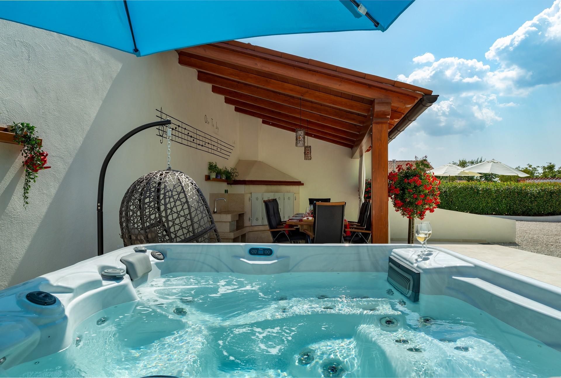 villa deal outdoors (26)