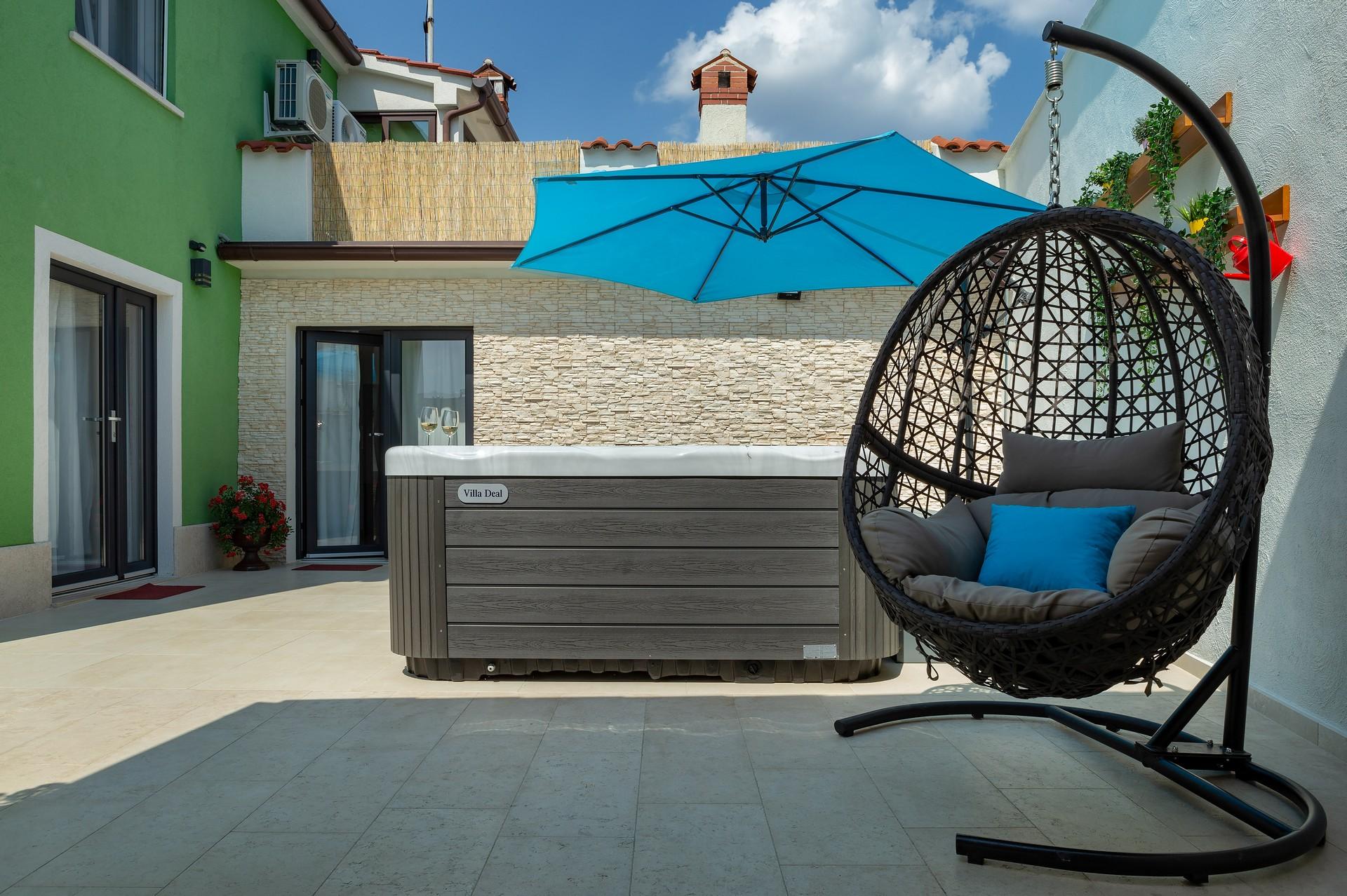 villa deal outdoors (27)