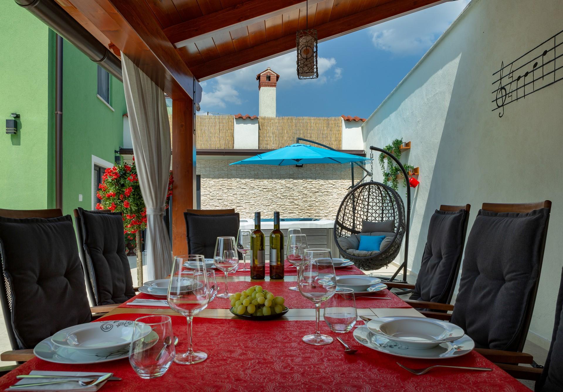 villa deal outdoors (29)