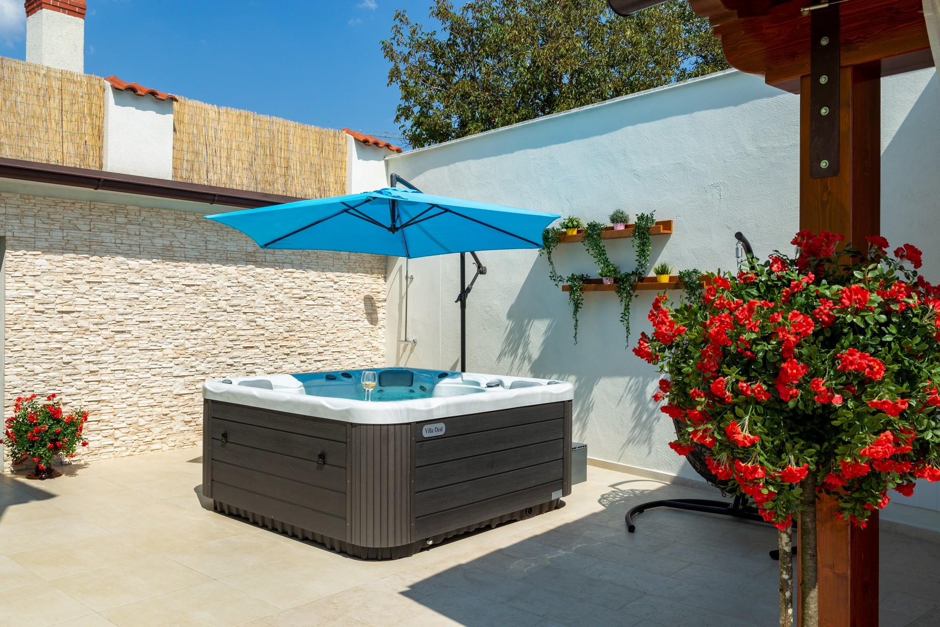 villa deal outdoors (30)