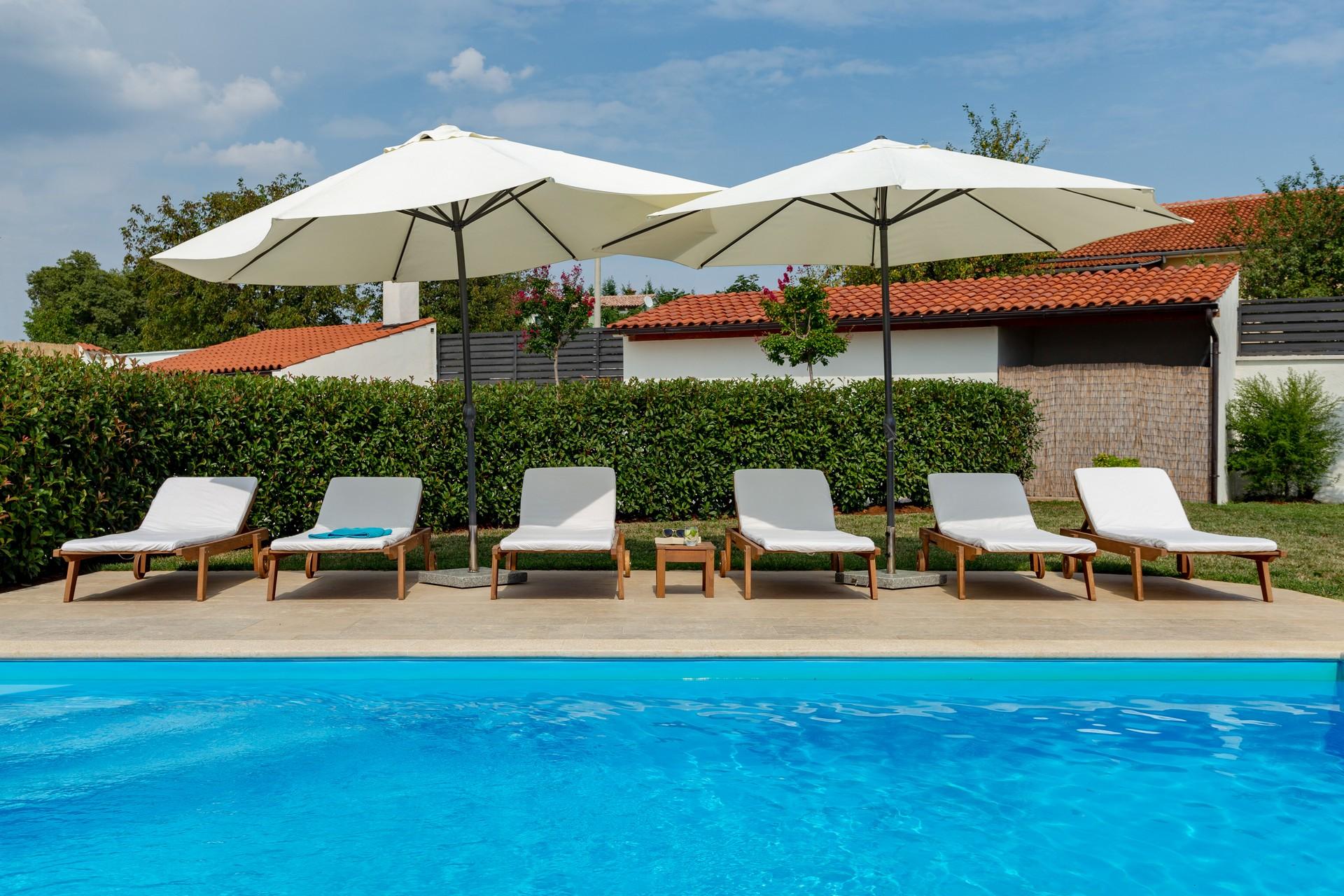 villa deal outdoors (7)