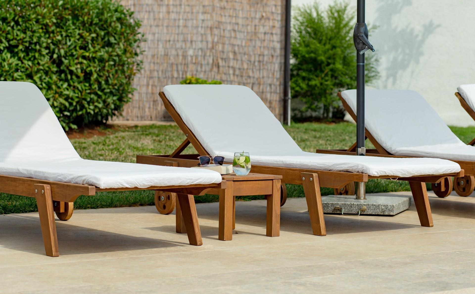 villa deal outdoors (8)